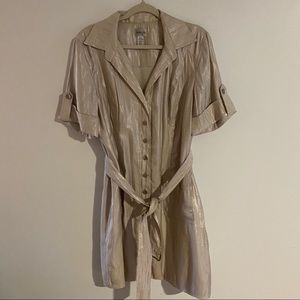 Chico's size 3.5 belted button dress shimmer cream